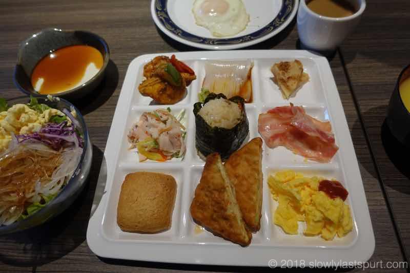 ファーストキャビンニセコぽんの湯 レストラン 朝食