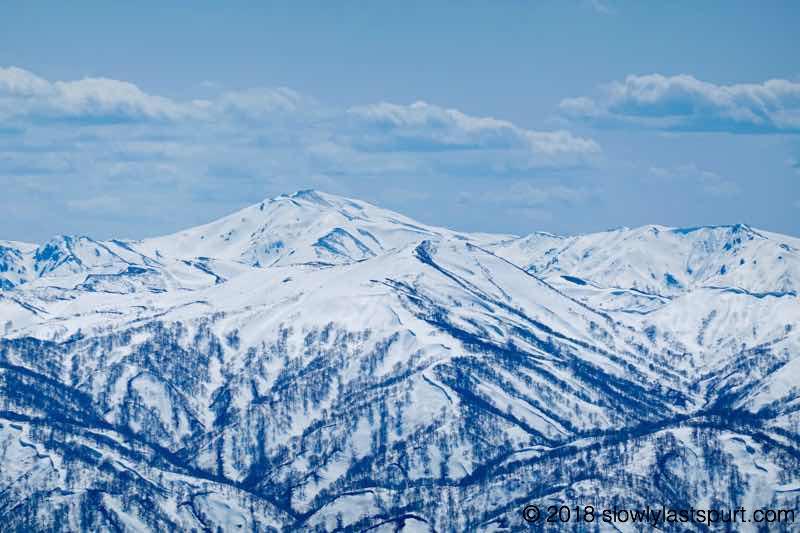以東岳 旭岳方面 月山スキー場
