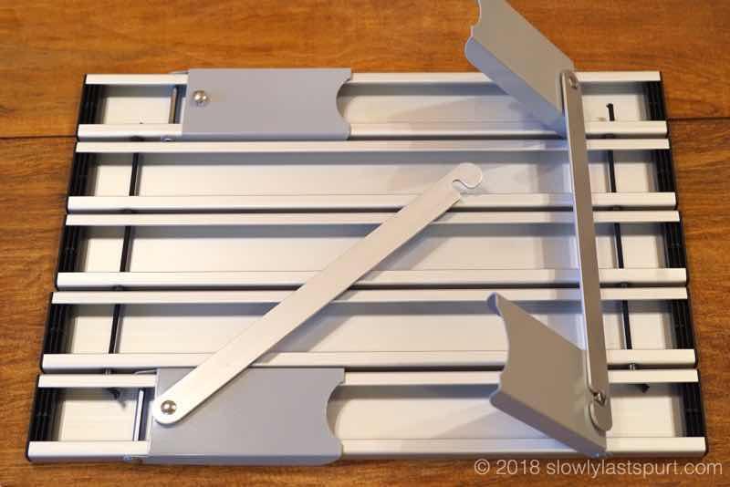 キャプテンスタッグ(CAPTAIN STAG) アルミ ロールテーブル ケース付 M-3713 アウトドア用 折りたたみ式